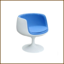 Wineglass Chair with Plastic Leg HK$1,420